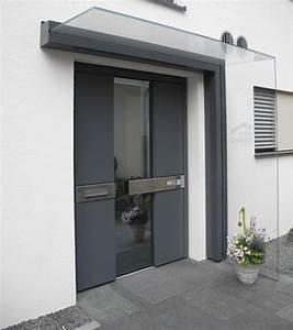 Haustüren Mit Viel Glas : freitragendes glas vordach dura plus mit dachneigung ~ Michelbontemps.com Haus und Dekorationen
