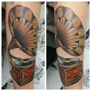 Gramophone Tattoo | Tattoo | Pinterest