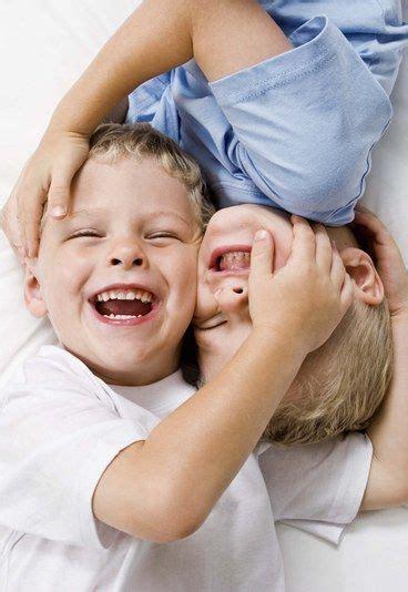 bébé siège acupuncture avoir 2 enfants en bas âge et sortir la tête de l 39 eau 10