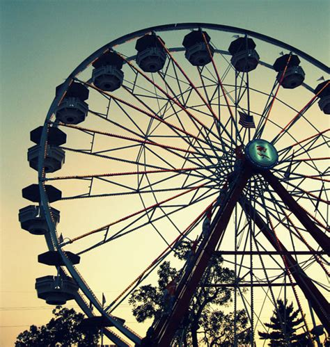 40 Stunning Ferris Wheel Photography  Naldz Graphics