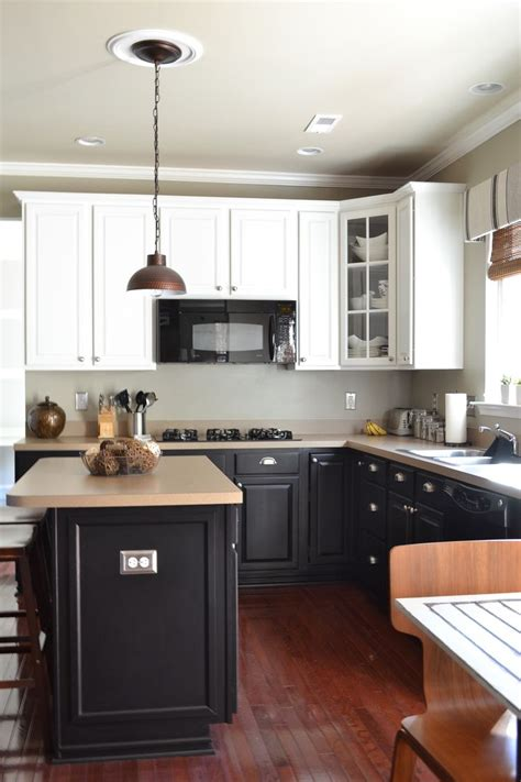 white and black kitchen cabinets painted kitchen cabinets kitchens 8 paintings kitchens 1727