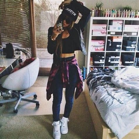 casual outfit nike air force   crop top high waist