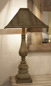 Abat Jour En Bois : pied de lampe balustre chapelle h 92 cm avec abat ~ Dailycaller-alerts.com Idées de Décoration