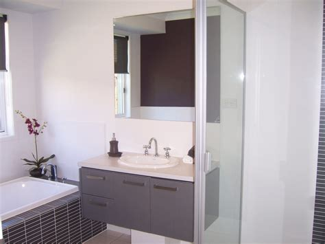 How To Design Small Bathroom by Tips To Make A Small Bathroom Look Bigger Dapoffice
