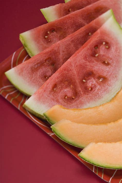 cut  cantaloupe   fruit platter ehow