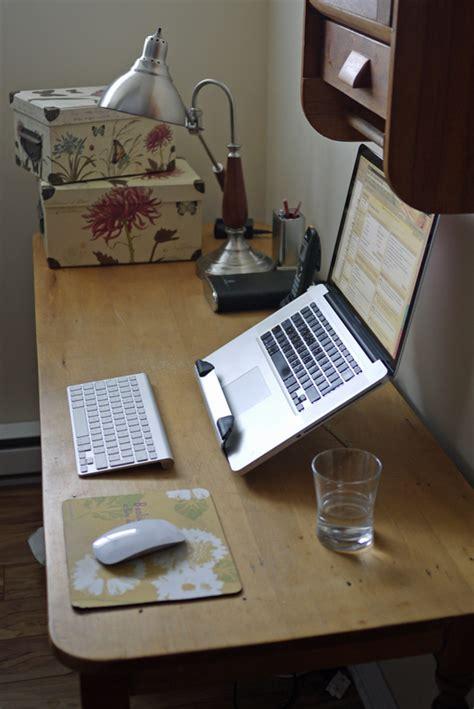 ergonomie bureau ordinateur bureau de travail ergonomique avec un portable