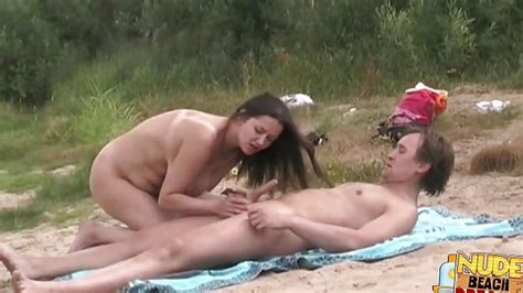 Very Hot And Horny Babe Gets Her Pussy Licked Hd From