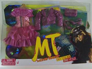 Moxie Teenz Girlz Doll Fashion And Shoe Party Pack New