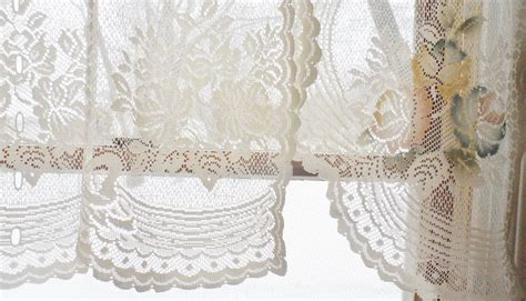 Pair Vintage Victorian Rose Shabby Cottage Chic Ivory Lace