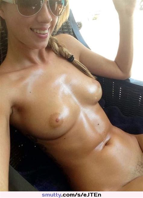hot  sexy  amateur  tits  boobs  selfie  Nude  naked   smutty com