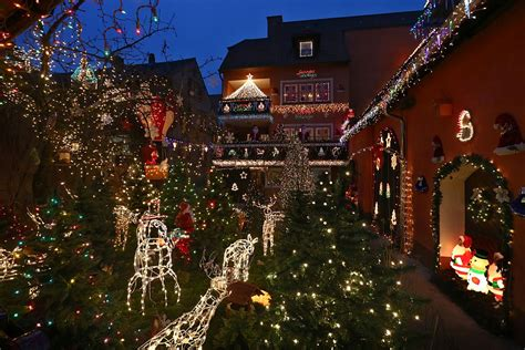 the most extravagant christmas house lights from all over
