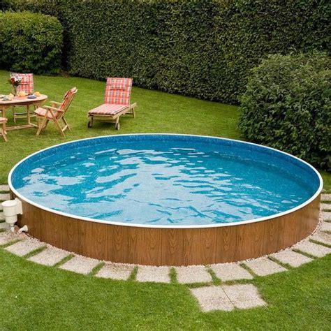 Runder Pool Im Garten by Ein Pool In Holzoptik Der Sich Wunderbar Harmonisch In