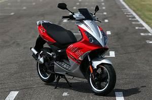 Peugeot Scooter 50 : essai du scooter peugeot jet force 50cm3 ~ Maxctalentgroup.com Avis de Voitures