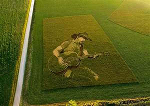 spotify pays homage to country through crop circle