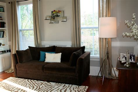 what colour curtains go with brown sofa what color curtain goes with dark brown furniture 2 wall