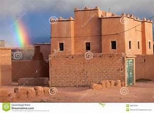 Maison Au Maroc : arc en ciel au dessus d 39 une maison traditionnelle au maroc ~ Dallasstarsshop.com Idées de Décoration