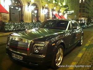Rolls Royce France : rolls royce phantom spotted in paris france on 12 10 2011 ~ Gottalentnigeria.com Avis de Voitures