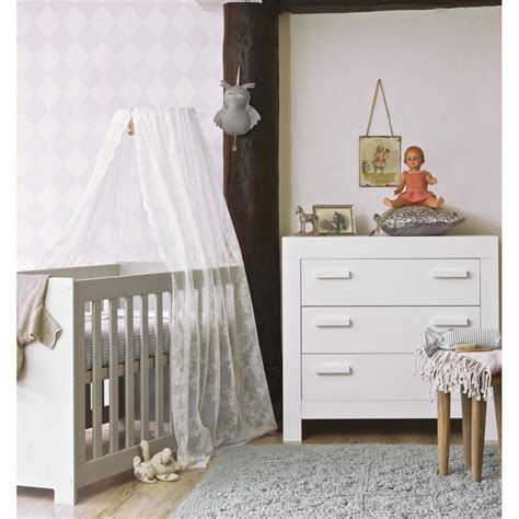 chambre bebe bois chambre bébé essentielle bois massif blanc aaroblck02