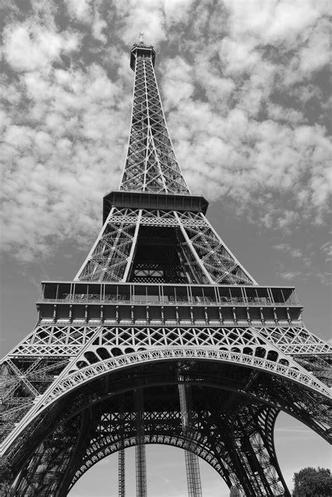 Eiffel Tower Illustration · Free Stock Photo