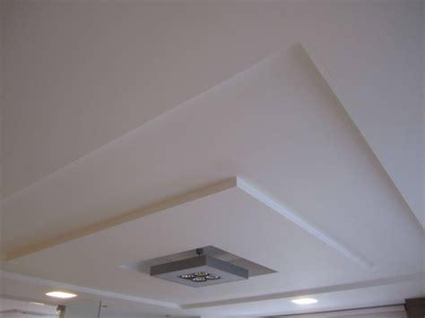 plafond suspendu cuisine plafond suspendu faux plafond cuisine ceiling treatments and ceilings