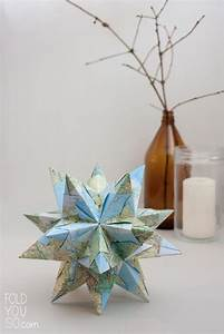 origami noel comment faire des etoiles origami decoratives With maison a faire soi meme 8 realiser une deco de fete aux couleurs dete guirlande et