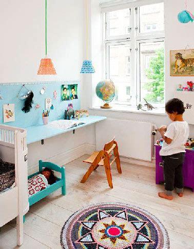 bureau d activité bureau pour enfant avec tableau d 39 activité