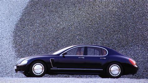 Bugatti displayed a concept car called the eb 18/4 veyron which outlined the basic shape for future versions. De idea a realidad: la historia del Bugatti Veyron (2005) y su motor W16