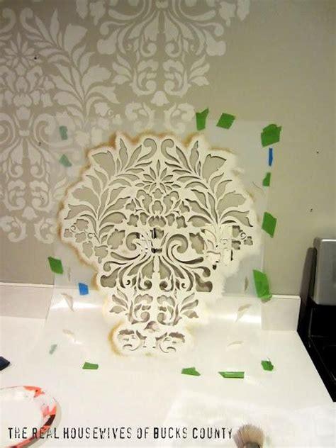 comment peindre un mur au pochoir
