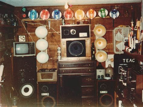 Bedroom Stereo by A 1970 S S Bedroom Vintage Stereo Equipment