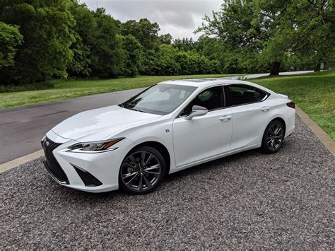 Lexus Es 2019 by Should You Buy A 2019 Lexus Es Motor Illustrated