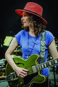 A Familiar Voice  An Interview With Edie Brickell