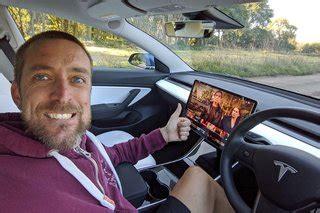 36+ Netflix In Tesla 3 Pictures