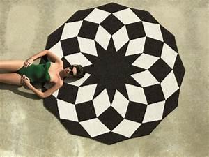 Tapis Geometrique Noir Et Blanc : tapis ext rieur pour jardin et terrasse 18 mod les par vondom ~ Teatrodelosmanantiales.com Idées de Décoration