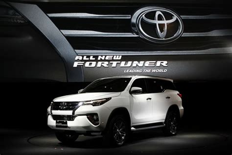 Toyota Fortuner Backgrounds by Toyota All New Fortuner Launching Indonesia