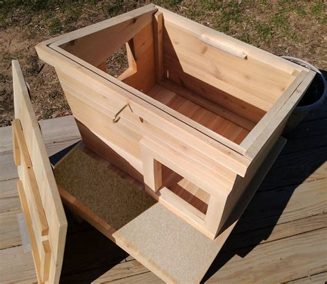 outdoor cat house shelter  touchstone pet