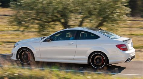 mercedes  amg coupe   official pictures
