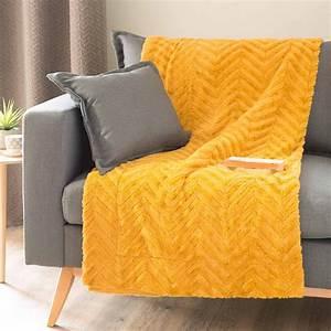Plaid Jaune Et Gris : jet en fausse fourrure jaune moutarde 130 x 170 cm my ~ Teatrodelosmanantiales.com Idées de Décoration