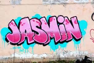 Name Jasmine in Graffiti Letters