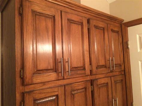Golden Oak cabinets enhanced with mahogany gel stain   Gel