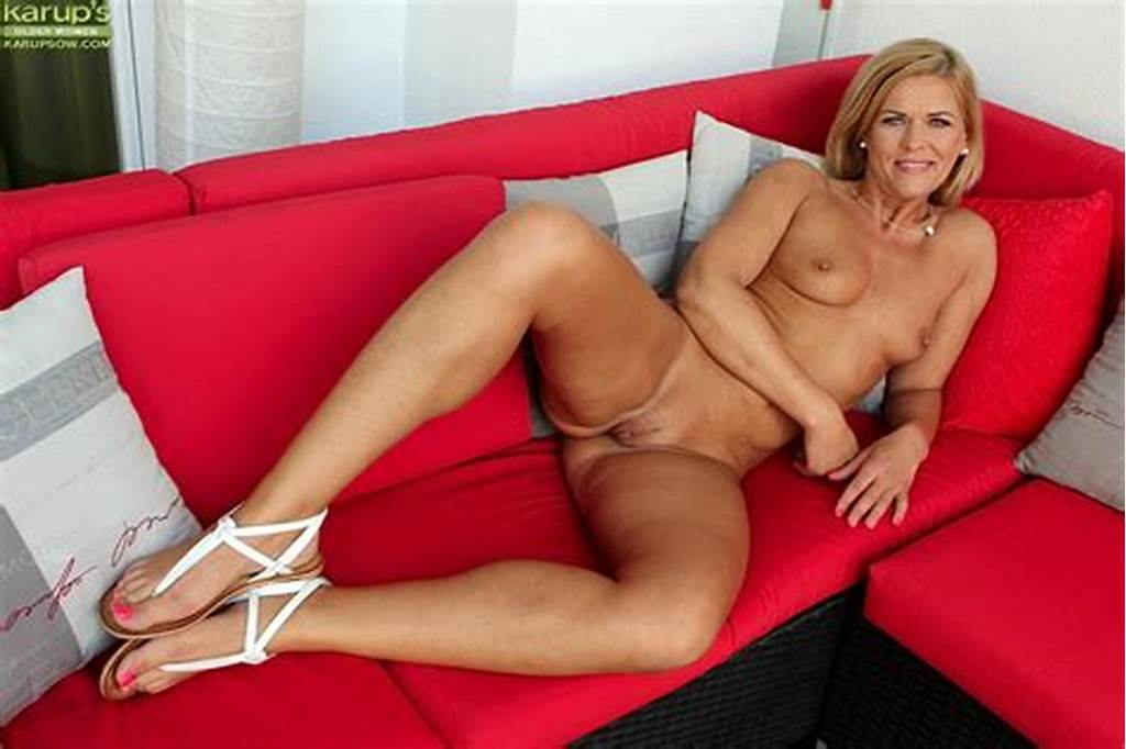 #Blonde #Milf #Carrie #Karups #Is #Showing #Both #Her #Clefts #And