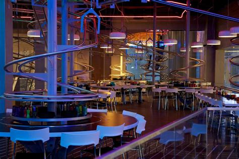 cuisine roller uae 39 s rollercoaster restaurant serves food that loops