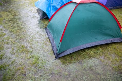 Ground Cover Under Tent by Essentials For Your Using A Ground Cover With Your Tent