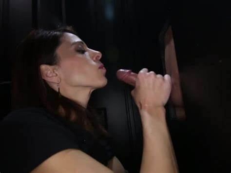 Lovely Baby Works A Glory Hole