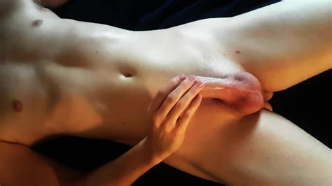 Twink Teases Out Dry Orgasms While Gasping In Ecstasy