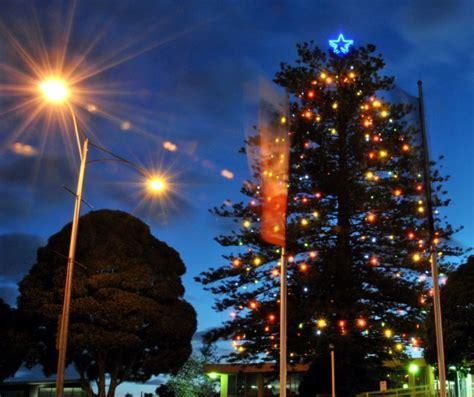 christmas tree lighting events near me frankston 39 s christmas festival of lights 2013 melbourne