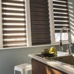 salon ouvert sur cuisine les stores jour et nuit dans tous les chambres archzine fr