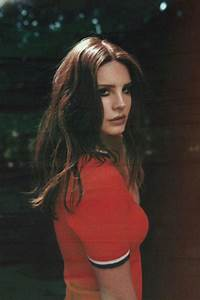 #GirlCrushSundays: Lana Del Rey – THREAD by ZALORA Singapore