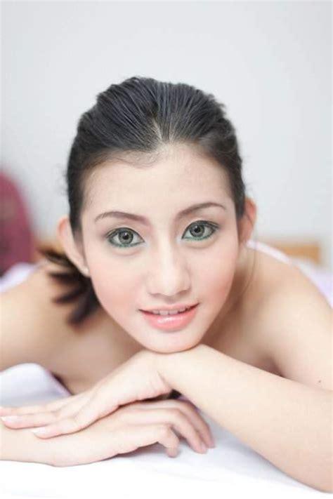 Novita Hardiny Model And Tv Presenter Video Bokep Ngentot