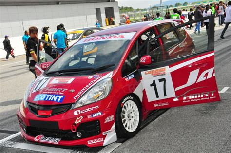 Modifikasi Peugeot 208 by Pin By Fauziahmad Rysa On T Cars Racing And Peugeot