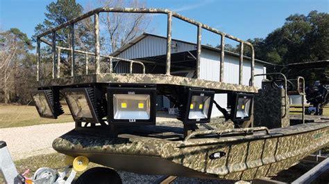 Boat Lights For Bowfishing by Bowfishing Platform Gator Trax Boats